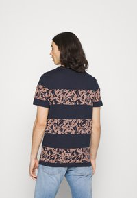 Jack & Jones - JORMONDAY - Print T-shirt - navy blazer - 2