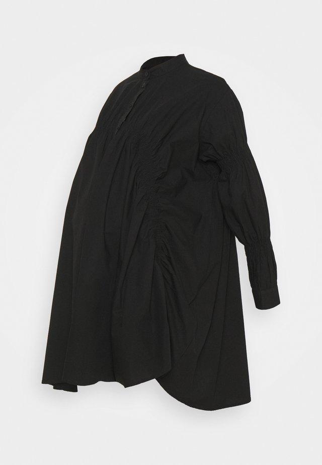 PCMSASSY OVERSIZED DRESS - Vestido camisero - black