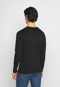 Jack & Jones - JOR30HISTORY CREW NECK - Long sleeved top - black/white - 2