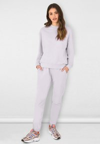 Ro&Zo - Tracksuit bottoms - lilac - 0