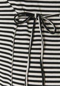 Vero Moda Tall - VMKATE SHORT DRESS - Jersey dress - black/white - 2