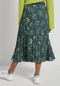 mine to five TOM TAILOR - Pleated skirt - deep green leaves design - 2