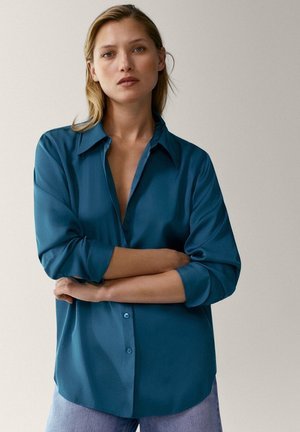 IN SATINOPTIK - Button-down blouse - blue