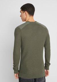 Zign - MUSCLE FIT MILITARY - Jumper - green - 2