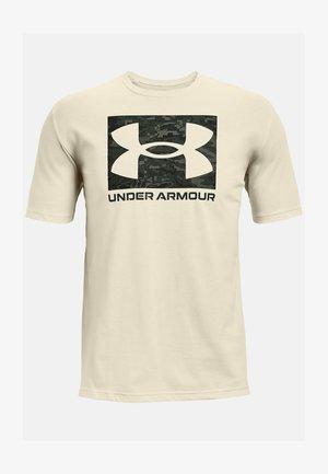 UA ABC CAMO BOXED  - Print T-shirt - summit white