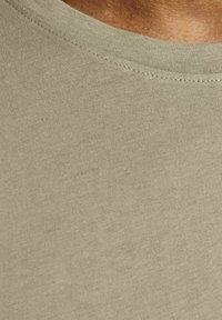 Jack & Jones - Basic T-shirt - crockery - 3