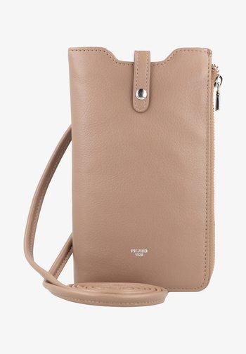 BINGO - Phone case - brown
