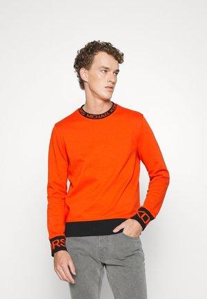 GO TAPE CREW - Sweatshirt - optic orange