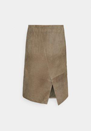 AHLA - Pouzdrová sukně - antique