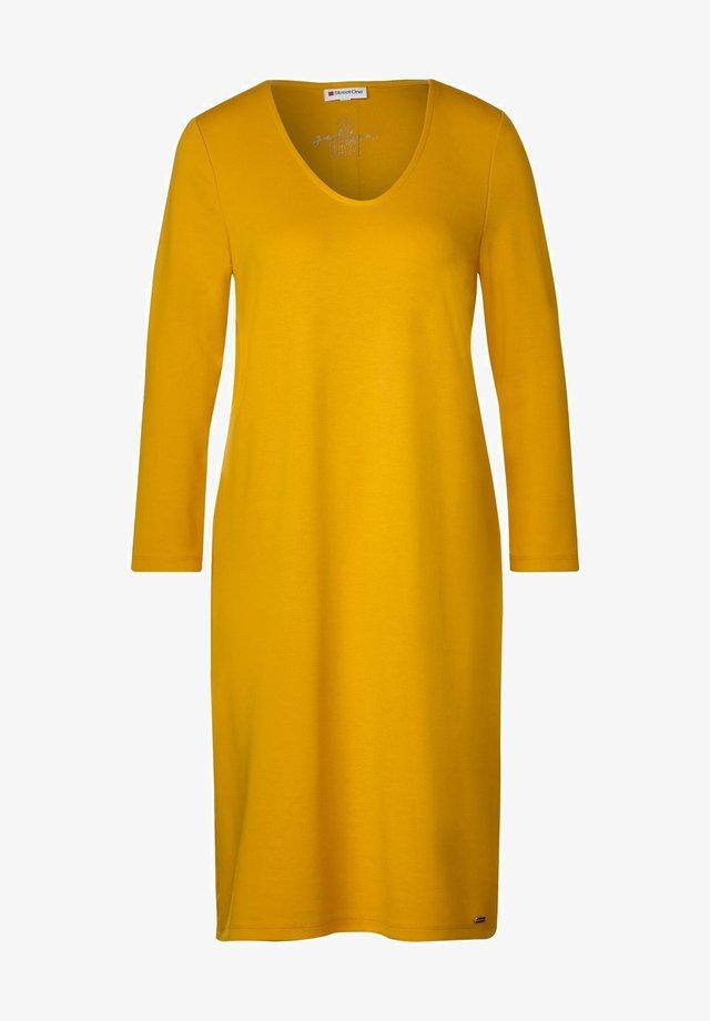 MIT TAPE-DETAIL - Jerseykleid - gelb