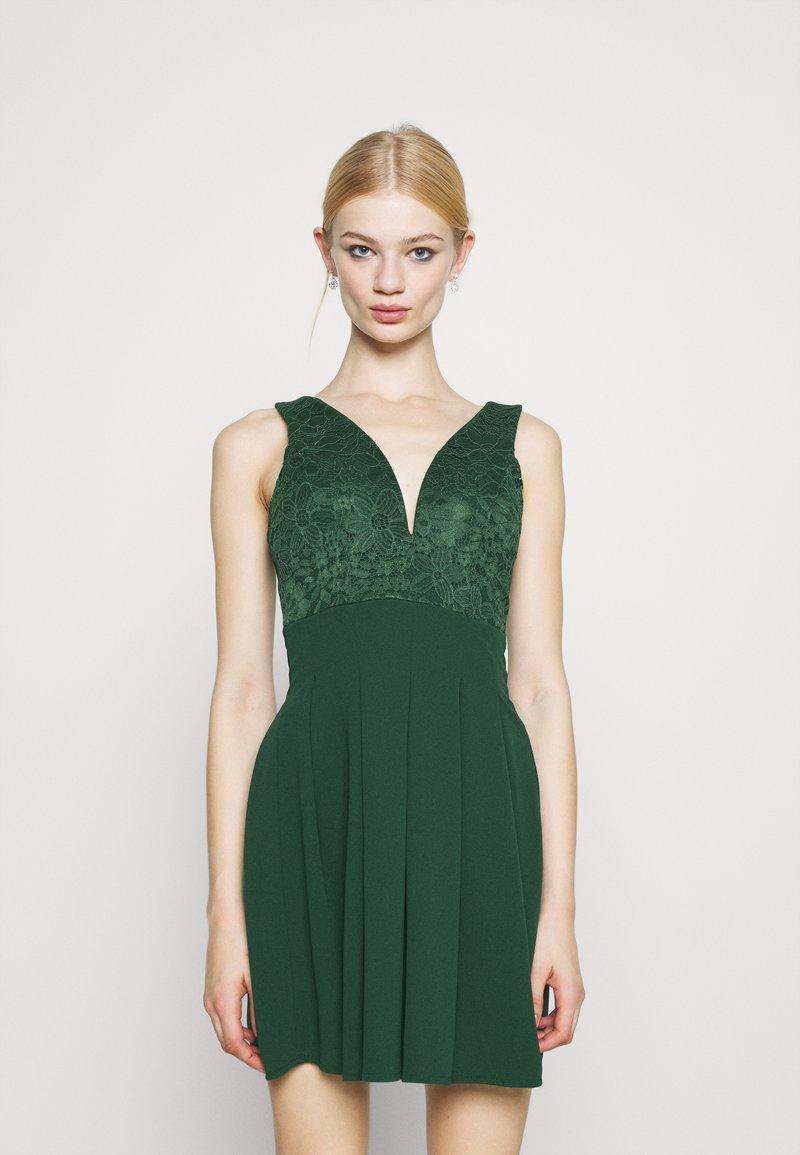 WAL G. - PLEATED SKATER DRESS - Žerzejové šaty - forest green