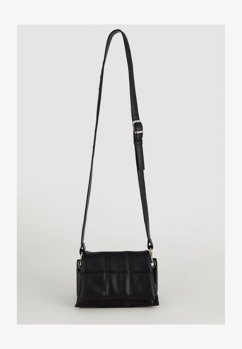DeFacto - Across body bag - black