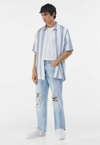 Bershka - Jeans a sigaretta - light blue - 1
