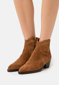 Hash#TAG Sustainable - Cowboy/biker ankle boot - caramello - 0
