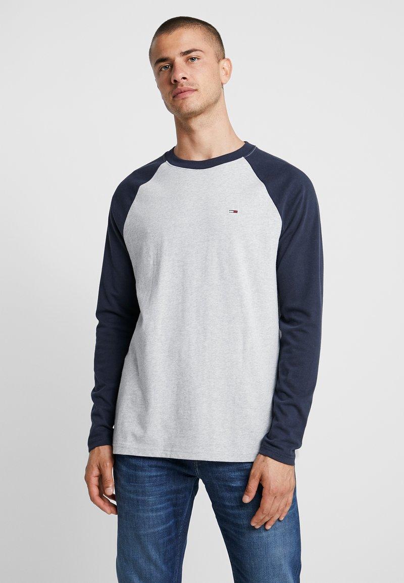 Tommy Jeans - RAGLAN TEE - Long sleeved top - dark blue
