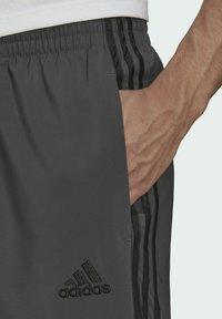 adidas Performance - AEROREADY SAMSON - Pantaloni sportivi - grey - 3