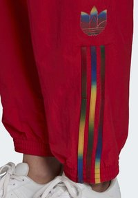 adidas Originals - PAOLINA RUSSO ADICOLOR SPORTS INSPIRED MID RISE PANTS - Tracksuit bottoms - scarlet - 5