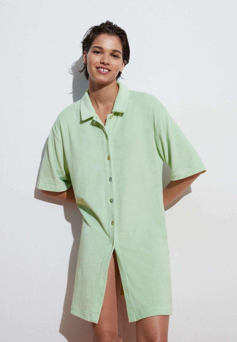 OYSHO - Button-down blouse - light green