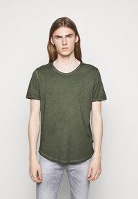 JOOP! Jeans - CLARK - T-paita - dark green - 0