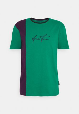 UNISEX - Print T-shirt - purple/green