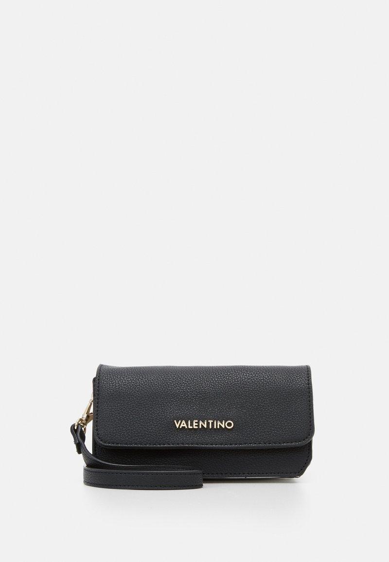Valentino Bags - SUMMER MEMENTO - Across body bag - nero/multicolor