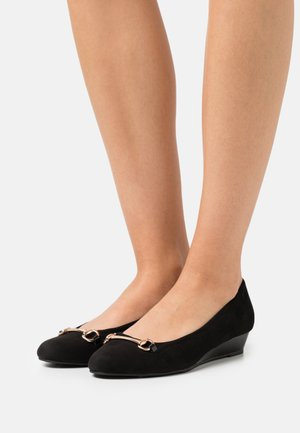WIDE FIT PAULA MINI WEDGE COURT - Wedges - black