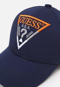 Guess - DEREK UNISEX - Cap - blue - 3