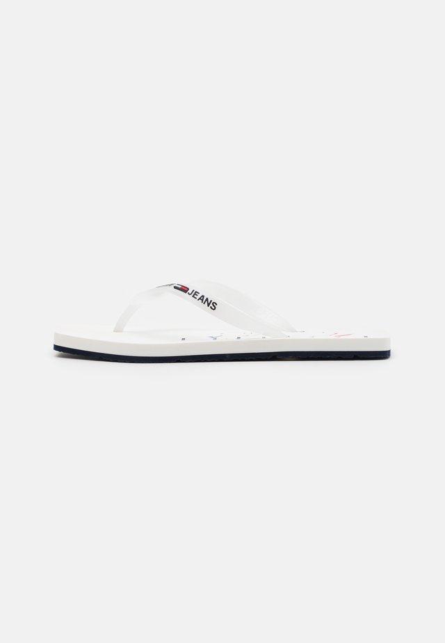 SQUARE TOE BEACH  - Sandalias de dedo - white