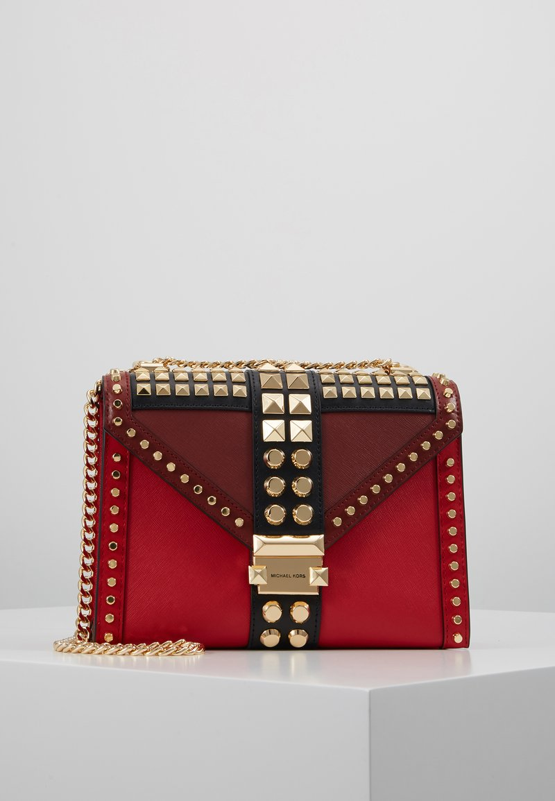MICHAEL Michael Kors - TRICOLOR MIXED STUDS WHITNEY - Olkalaukku - red/multi