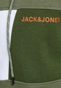 Jack & Jones - Zip-up sweatshirt - deep lichen green - 6