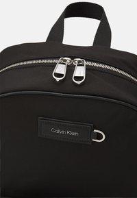 Calvin Klein - URBAN UTILITY CAMPUS UNISEX - Rucksack - black - 3
