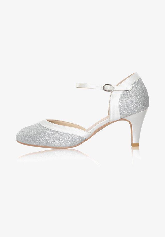 Bridal shoes - ivory