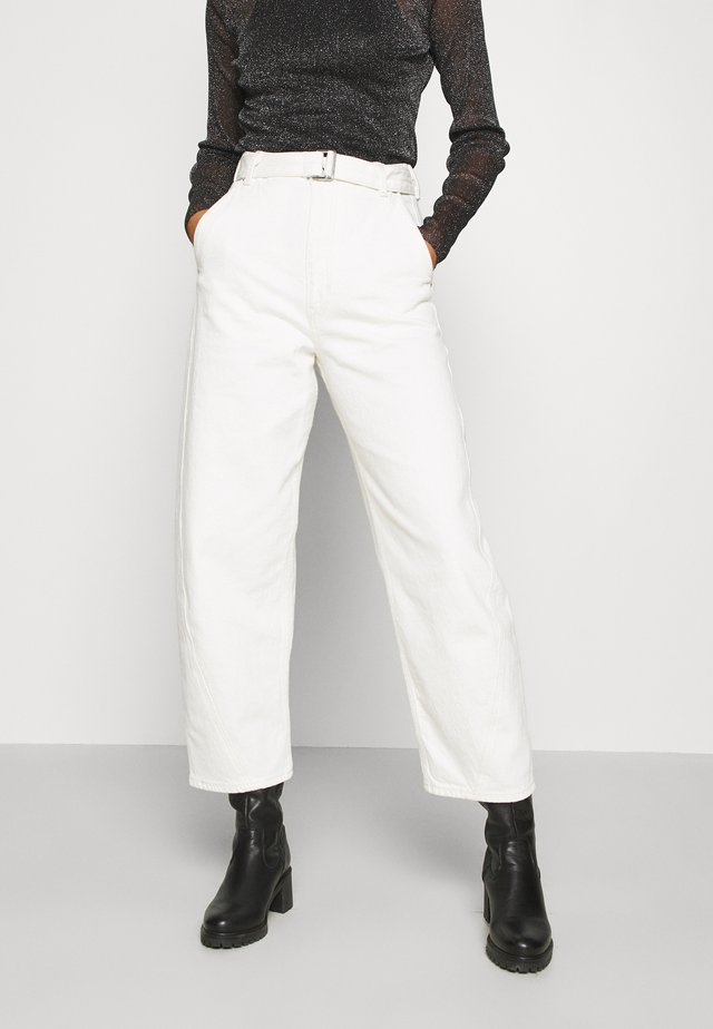 LMC CARVED TROUSER - Jeans Relaxed Fit - off-white