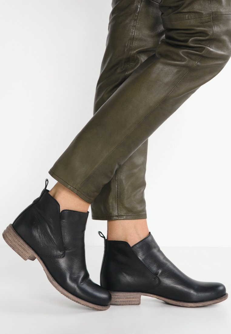 Anna Field - LEATHER BOOTIES - Ankle boots - black