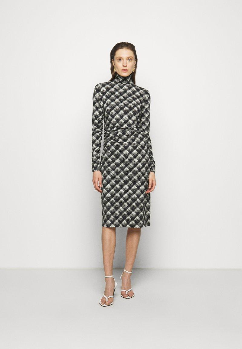 Proenza Schouler White Label - SHEER DRESS - Jersey dress - ecru/black