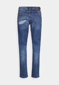 Blend - BLIZZARD FIT - Straight leg jeans - denim dark blue - 1