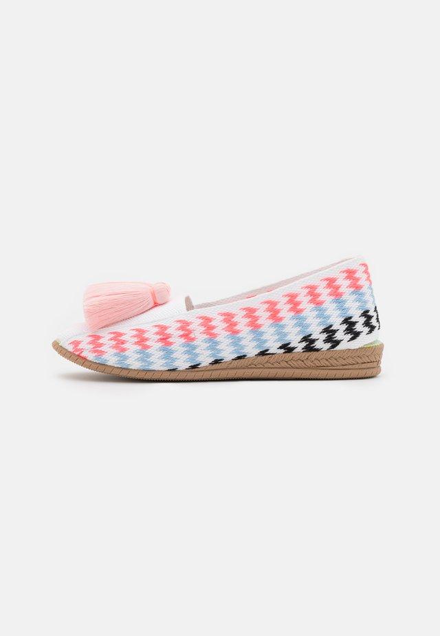 GARDENIA - Loafers - rosa/rosa fluor