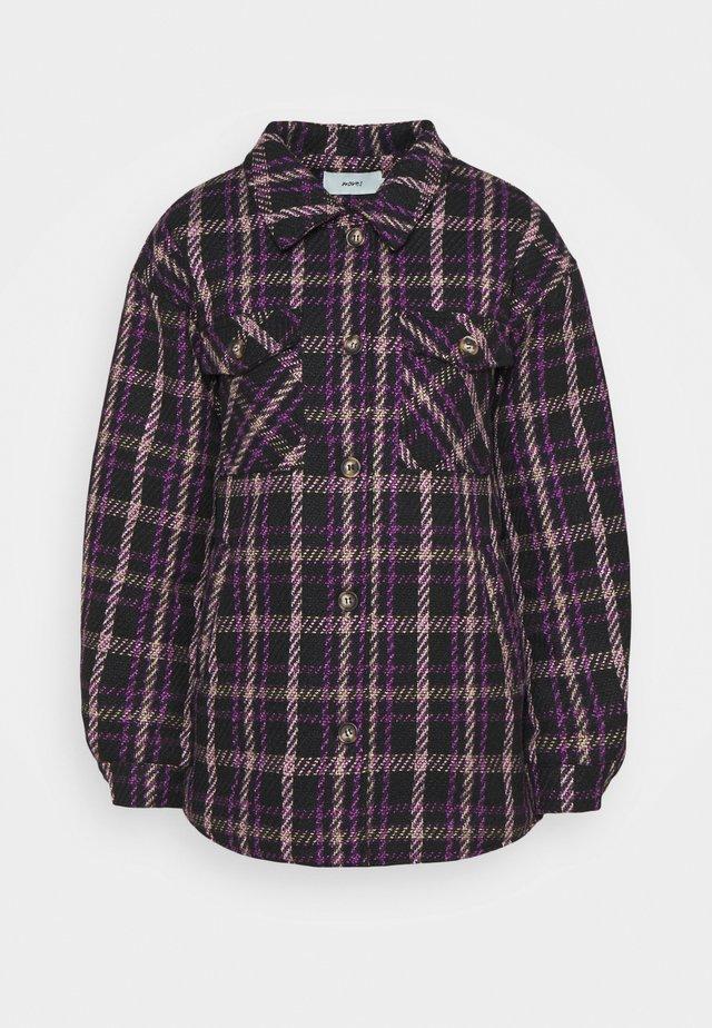 SUSTANNI - Krátký kabát - royal lilac