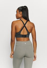 Cotton On Body - WORKOUT TRAINING CROP - Medium support sports bra - charcoal marle - 2