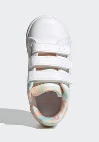 adidas Originals - STAN SMITH ORIGINALS PRIMEGREEN SHOES UNISEX - Sneakers basse - ftwr white/haze coral/ftwr white - 3
