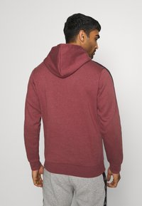 adidas Performance - 3 STRIPES ESSENTIALS SPORTS HOODED - Sweat à capuche - red - 2