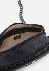 Guess - NOELLE CROSSBODY CAMERA - Torba na ramię - coal - 2