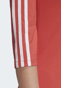 adidas Originals - OFF-THE-SHOULDER DRESS - Jersey dress - red - 5