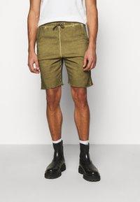 Han Kjøbenhavn - Shorts - green crush - 0