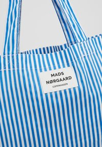 Mads Nørgaard - ATOMA - Tote bag - blue/white - 6