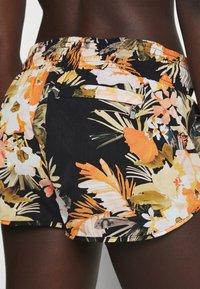 Seafolly - BORA BORA FLORA BOARDSHORT - Swimming shorts - black - 3