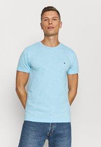 Tommy Hilfiger - SLUB TEE - T-shirt - bas - sail blue - 0