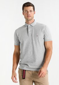 Tommy Hilfiger - PERFORMANCE REGULAR FIT - Polo shirt - cloud heather - 0