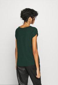 Vero Moda - Jednoduché triko - pine grove - 2