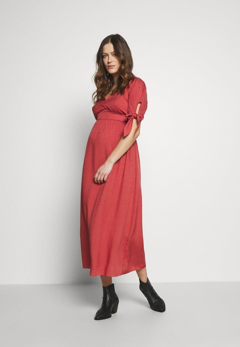 Glamorous Bloom - DRESS - Denní šaty - faded red